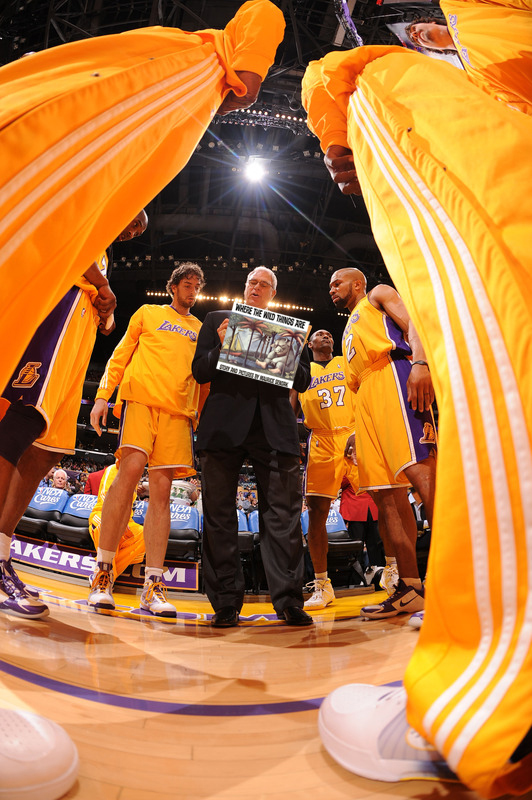 Phil Jackson isn't really the zen master... Just the story teller. This is how Lamar Odom learned how to read!!!